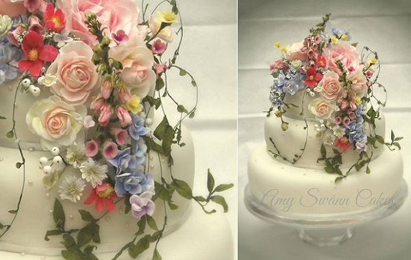 trailing sugar foliage by Amy Swann Cakes
