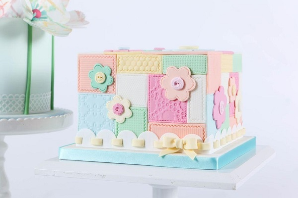 patchwork cake tutorial on Craftsy with Zoe Clark, Perfect Party Cakes Class