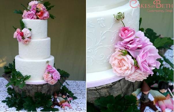 woodland wedding cake by Cakes by Beth with oak leaf lace stencilling