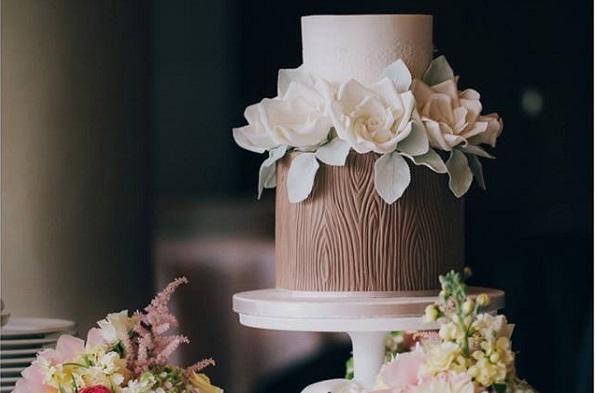 woodland wedding cake by Pasteles Alma, Meho Photo Design