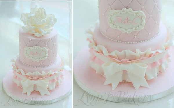 banded frill cake design by Lyon's Bakery, HK