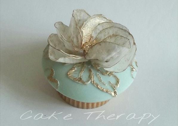 Cake Therapy, Yanira Anglada, a swirl of petals