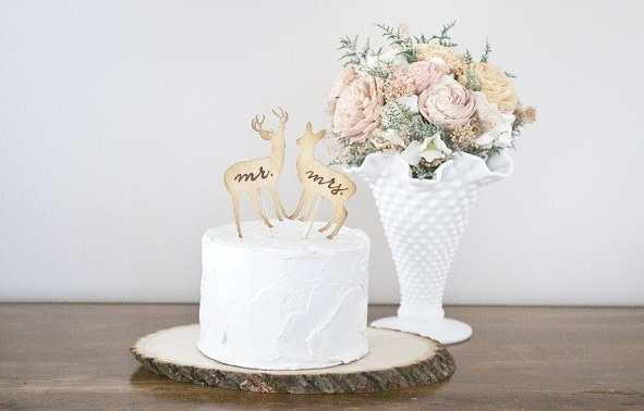 deer wedding cake from Candy Cake Weddings