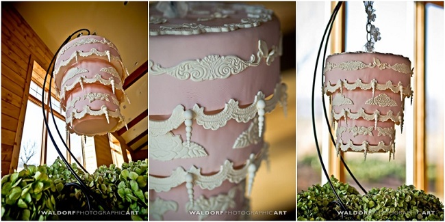 suspended wedding cake by Cheryl McMillan, Waldorf Photographic