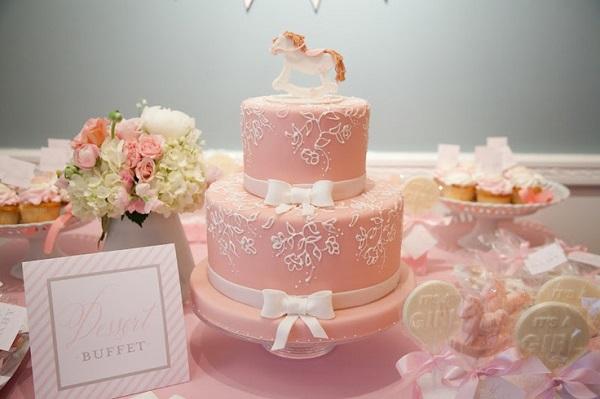 rocking horse baby shower cake via nicoandlala blog