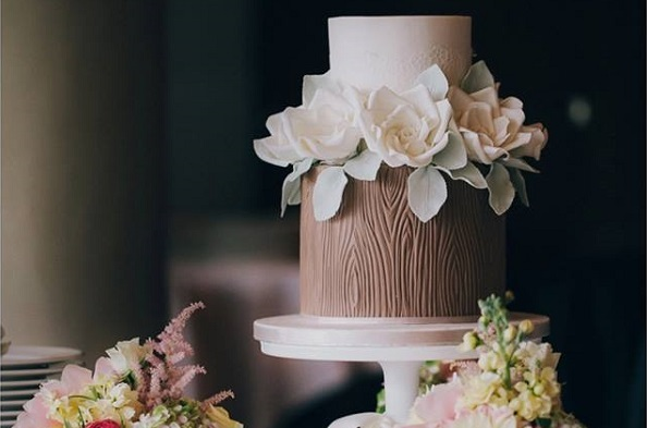 Tree Bark Effect Wedding Cake By Pasteles Alma Meho Photo