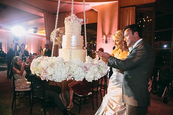 suspended wedding cake image via Pinterest