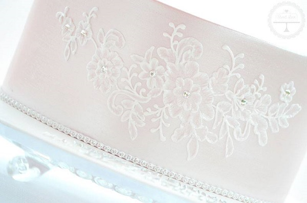 jewelled lace cake by Sweet Love Cake Couture