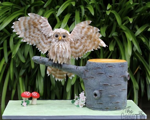 owl cake with wafer paper feathers by The Cake Tin