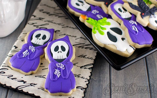 halloween cookie tutorial grim reaper cookies by Semi Sweet blog