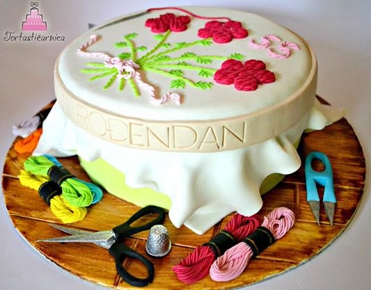 Embroidery cake for craft enthusiast by Tortasticarnia