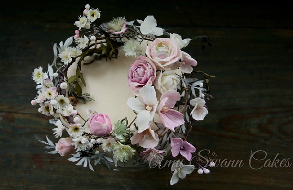 sugar flower garland cake design by Amy Swann Cakes