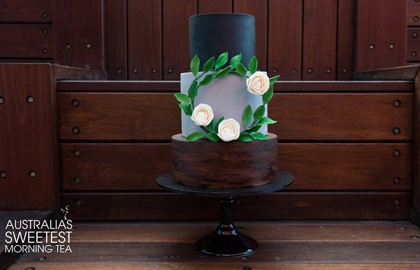 wreath wedding cake by Cuppy and Cake