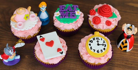 Alice in Wonderland cupcake tutorial by Megan Makes Cakes
