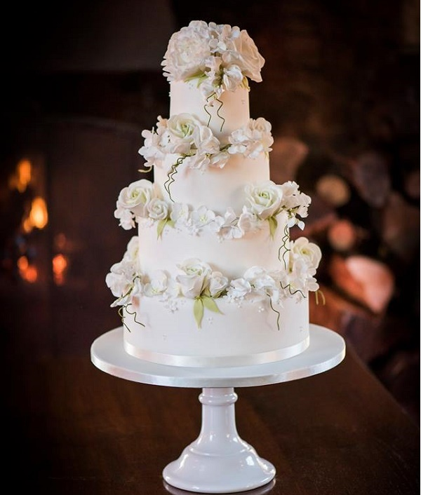 Sweet pea wedding cake by The Pretty Cake Company