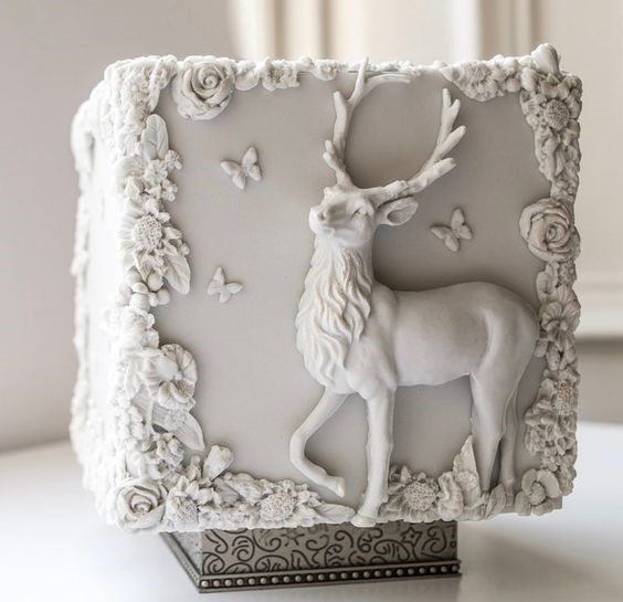 Stag in bas relief cake - Sonnda Catto