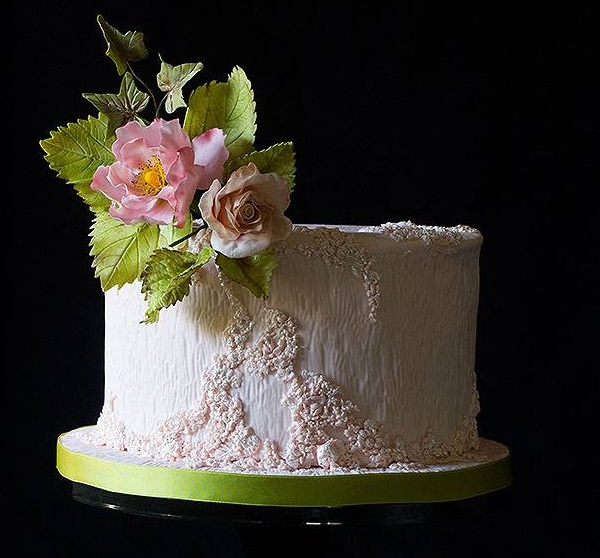 Textured cake design with gumpaste briar roses by Lina Veber Cake
