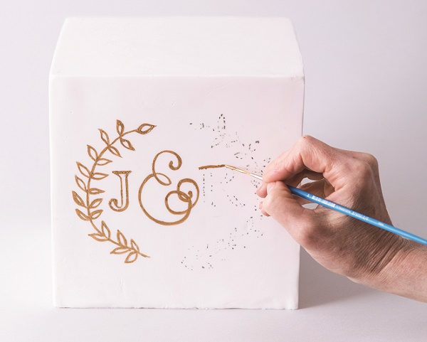Cake calligraphy tutorial by Faye Cahill from The Gilded Cake, 5