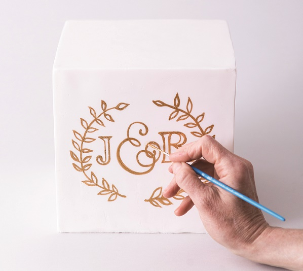 Cake calligraphy tutorial by Faye Cahill from The Gilded Cake, 9