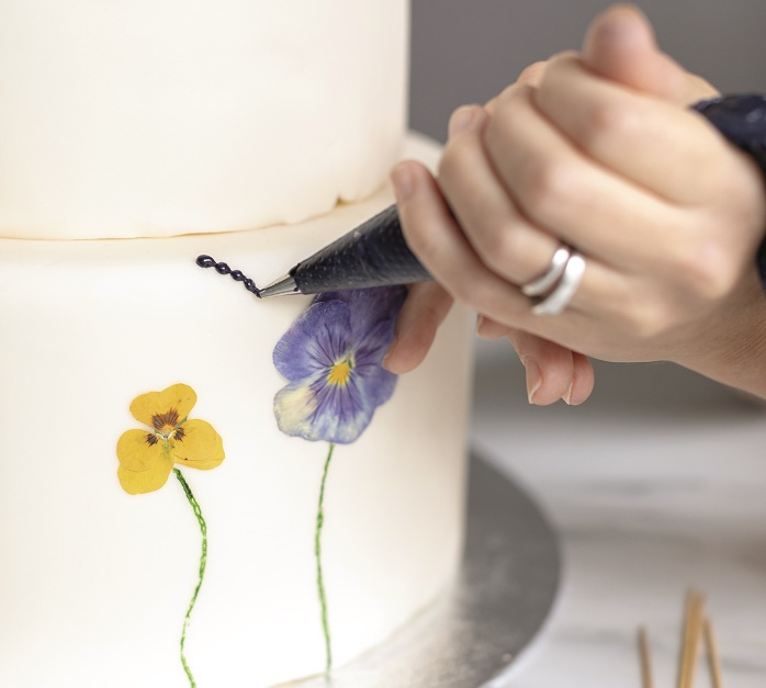 Wildflower Wedding Cake Tutorial, adding the butterfly body