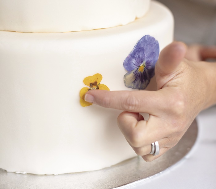 Wildflower Wedding Cake Tutorial, attaching the flowers 2