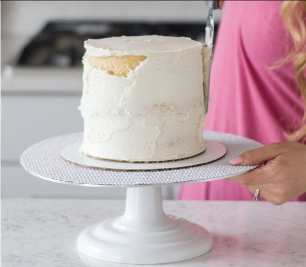 how to crumb coat a cake tutorial pic 16