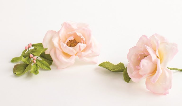 Gumpaste Heirloom Rose Tutorial by Jacqueline Butler on Cake-Geek.com