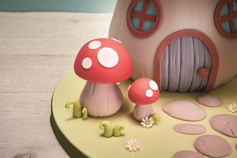toadstool cake tutorial on Cake-Geek.com 1