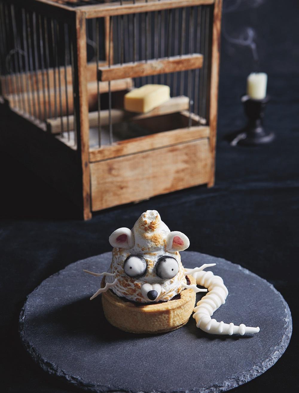 Halloween rat tart tutorial on Cake-Geek.com by Helena Garcia, Patricia Niven